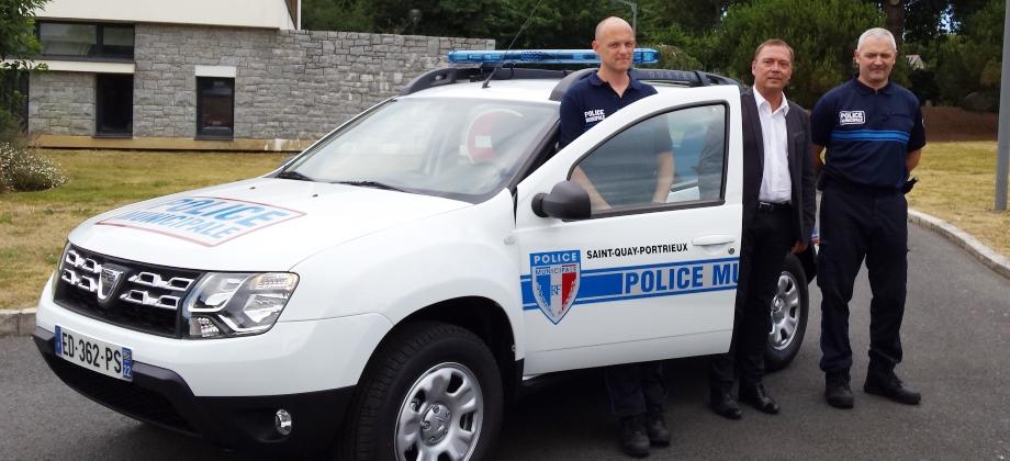 nouveau véhicule police municipale saint quay portrieux slide
